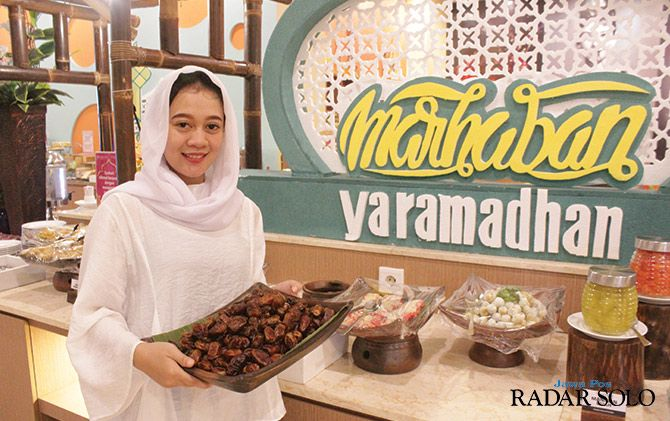 Ramadan In White With Favehotel Solo