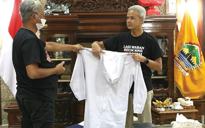 UKM Konveksi Jateng Ramai-Ramai Bikin APD, 10 Ribu Coverall Per Hari
