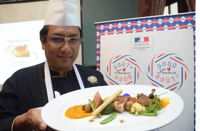 Chef Blonce De Poulet Olahan Ayam Khas Prancis Yang Kaya Rempah